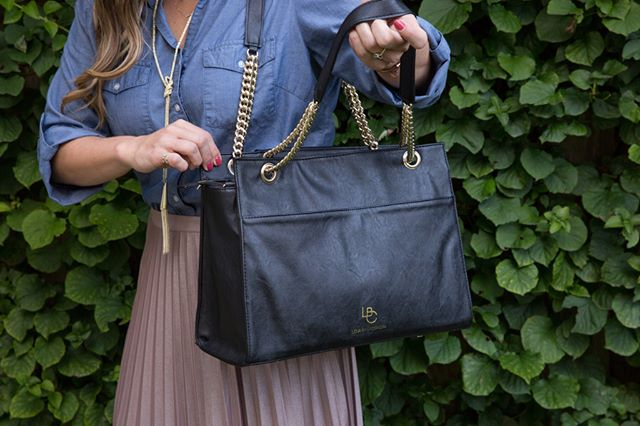 Did you hear the good news? It's Friday AND #LBC is offering free shipping within the US. Talk about a win-win. 😉 Shop our bags, starting at $135, using the link in bio. #TGIF