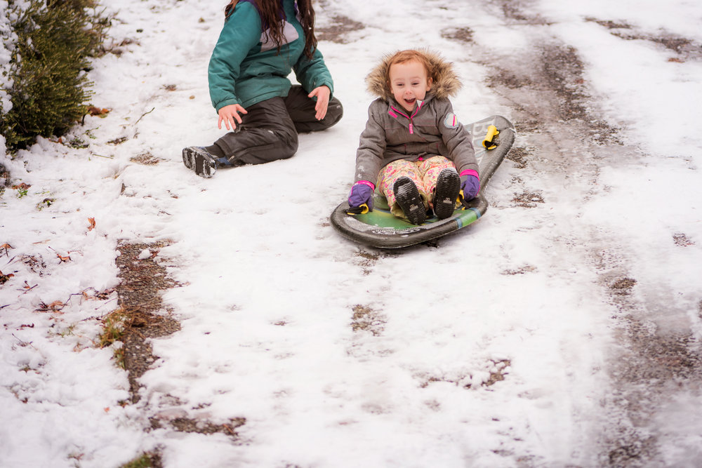 having fun sledding | amy selleck photography | amyselleck.com