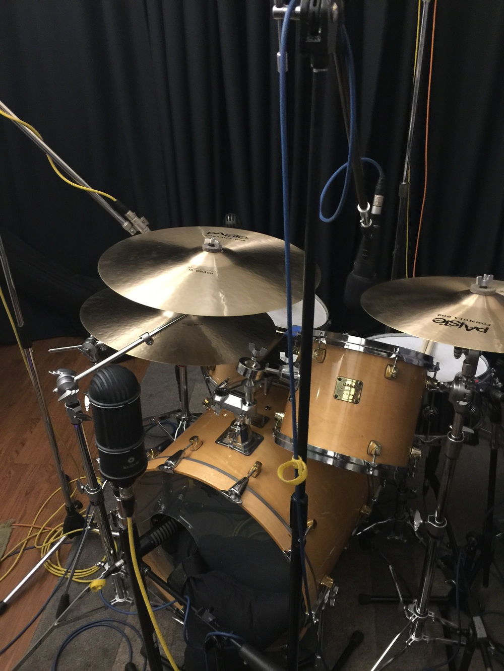 recording drums Yamaha Maple Custom