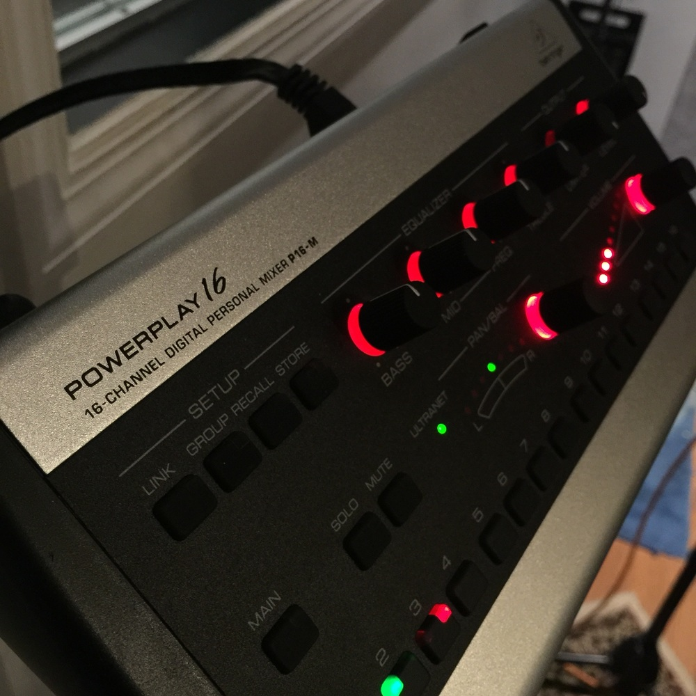 PowerPlay 16 Channel Dig. PM Behringer