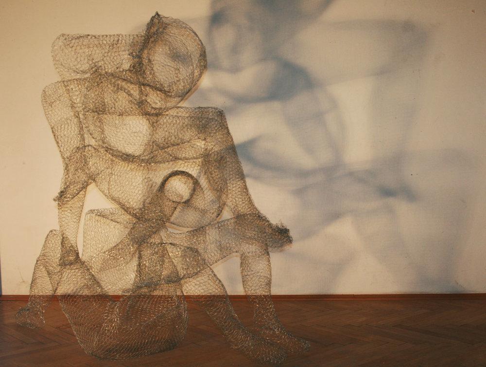 Celeste Capine Hill ,  Observation of Energy,  2018 ( Artist Website ,  Instagram )  Wire sculptures/interactive installation