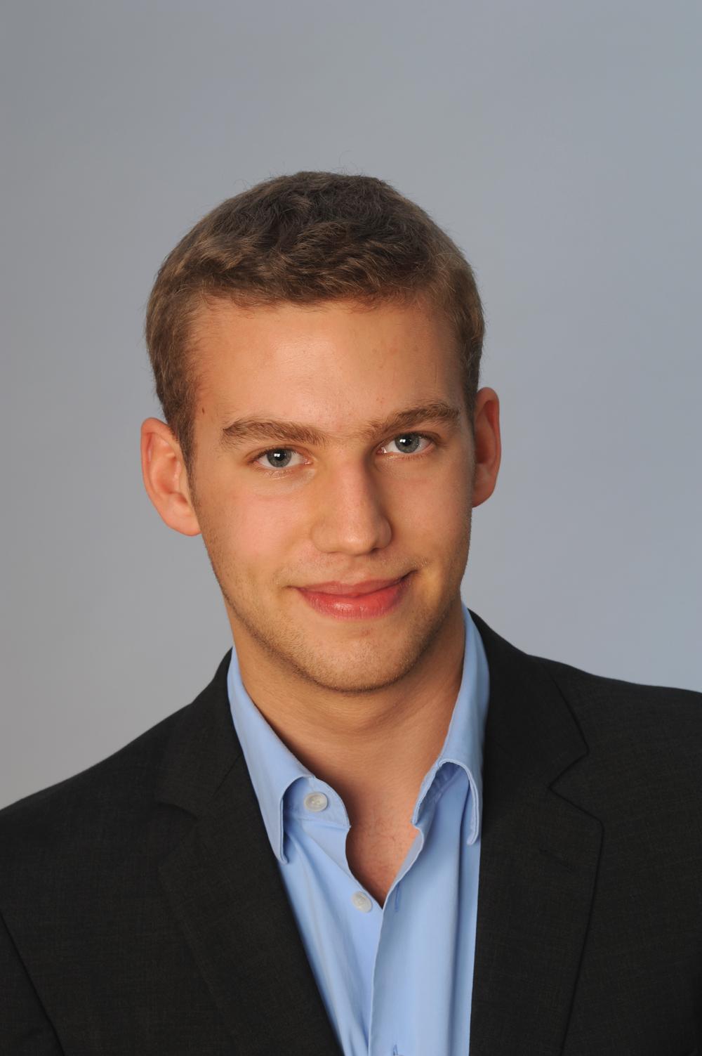 Maximilian Neumann  Transport and Logistics Management Assistant