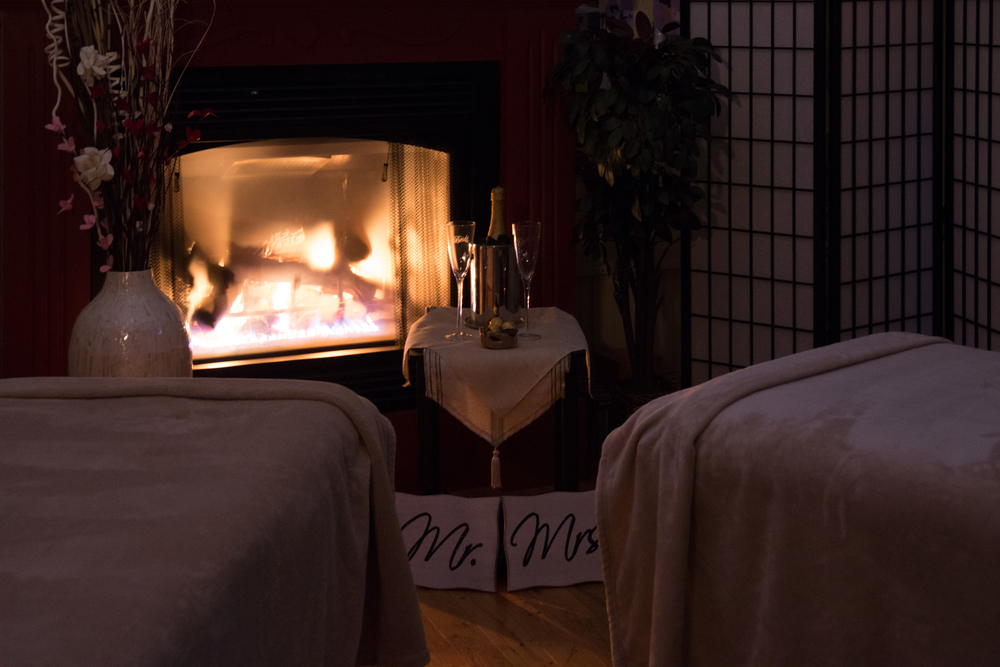 The romantic setting of the Five Bridge Inn carriage house is relaxing and comfortable!