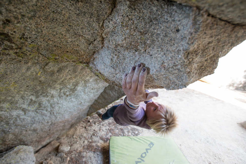 Amy Weed Sticking the first crux on  Pinchapotamous  V8