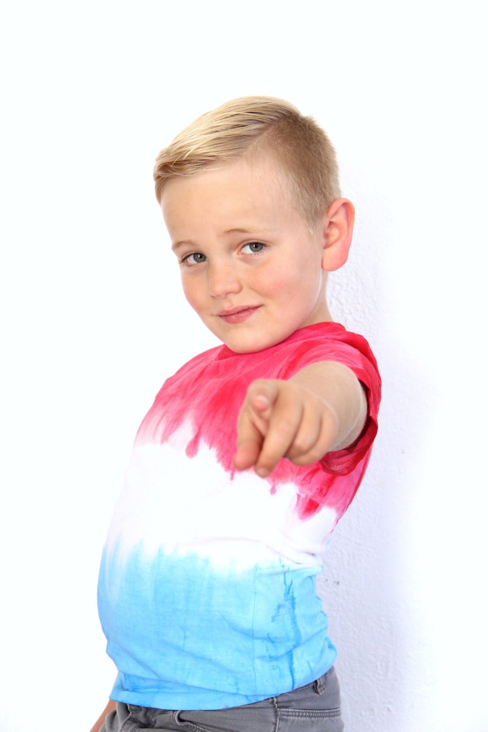 4th Of July DIY Tie Die Shirt | And We Play