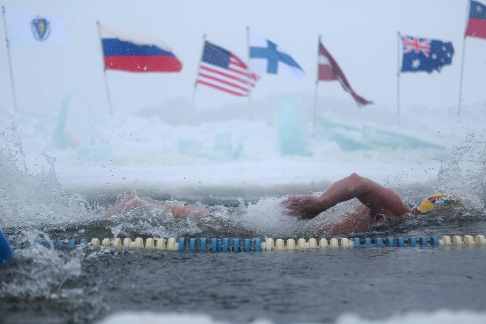 2015_02_21_IceSwimming_010.jpg