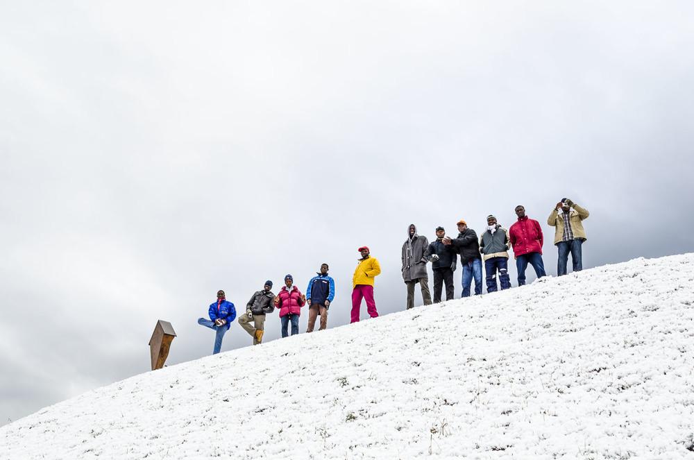 Winter im Dorf Niedervintl - Spaziergang mit den Flüchtlingen