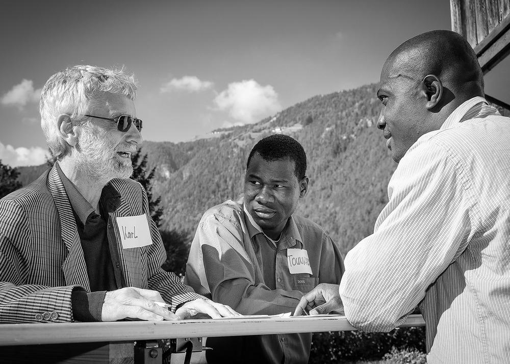 Oktober 2012: Karl Tragust im Gespräch mit Samuel Brown und Tounkara Balla