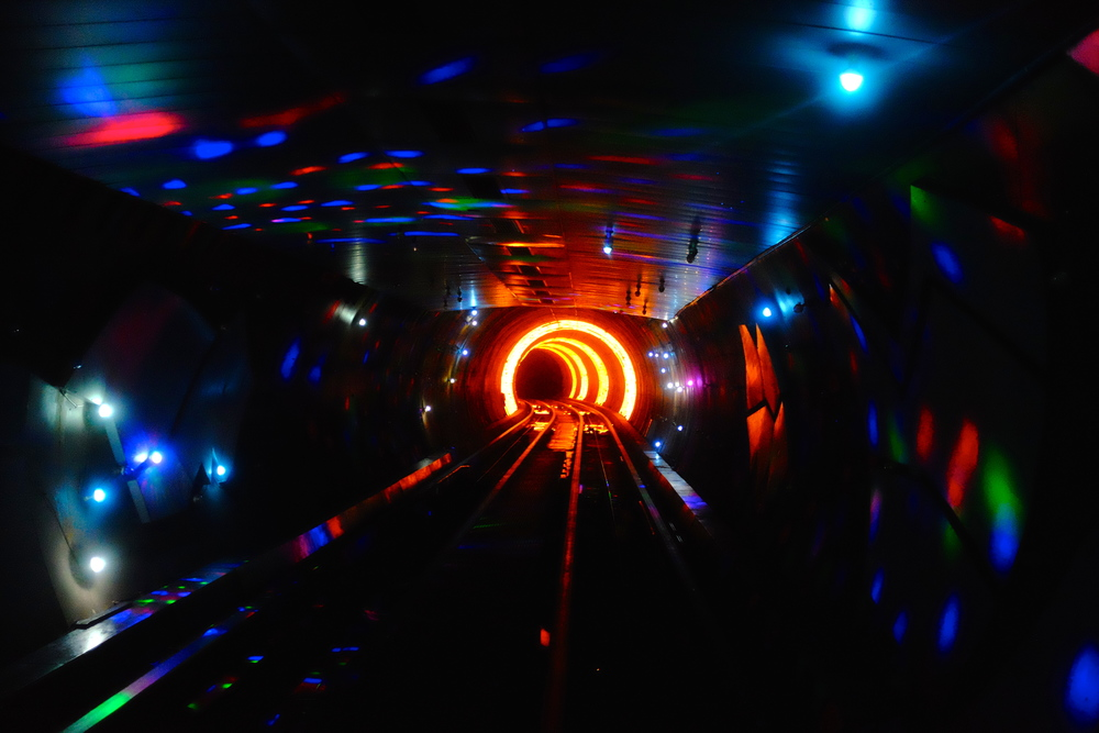 sightsighttunnel.jpg