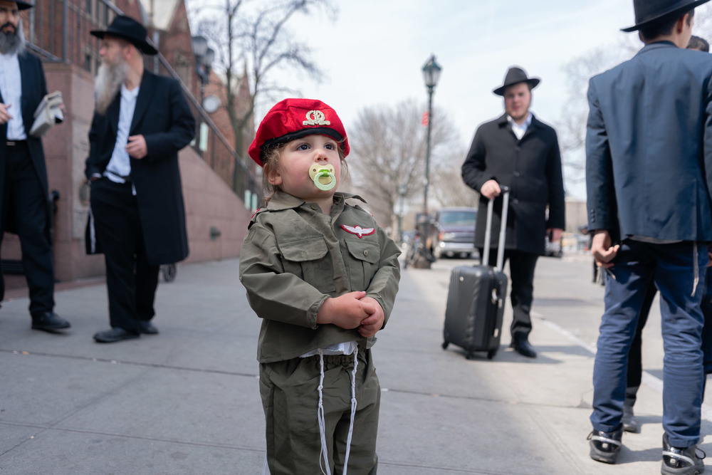 purim2016_crownheights_pt2_006.jpg