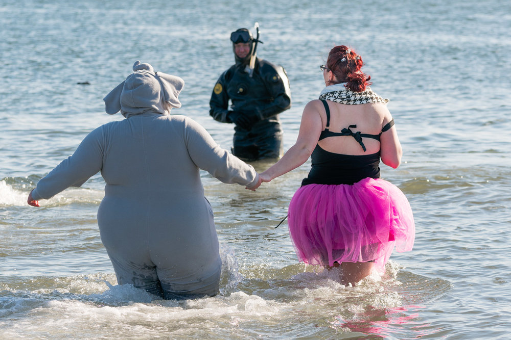 2018_newyear_coney_polar_bear_swim_009.jpg