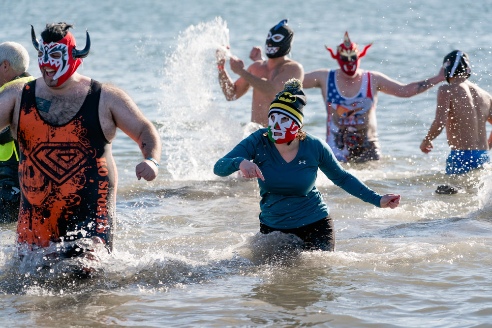 2018_newyear_coney_polar_bear_swim_011.jpg
