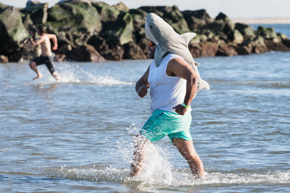 2018_newyear_coney_polar_bear_swim_016.jpg