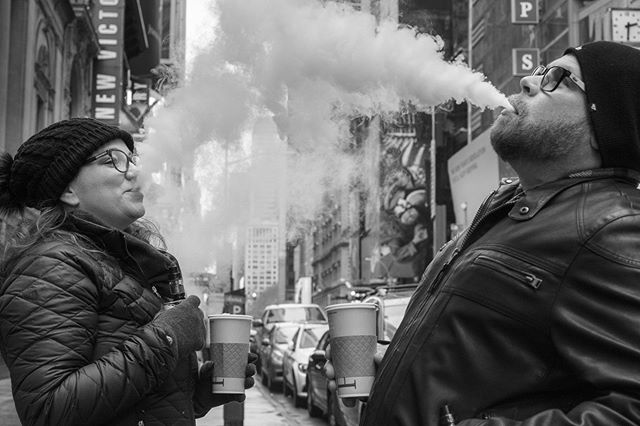 The Smoke Kiss  #Instagram #bw #capturestreets #everybodystreet #lensculturestreet #streetphotographers #streetphotography