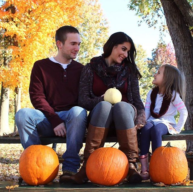 On this sunny ☀️ day in Ohio lets #flashbackfriday to this beautiful family. This was such a fun pregnancy announcement shoot for a longtime friend. That little white pumpkin is now one sassy little boy! ❤️ - - - - - #audreyski #audreyskicreative #photography #canon #pregnancyannouncement #fall #ohio #pumpkinlove #creative #family #love