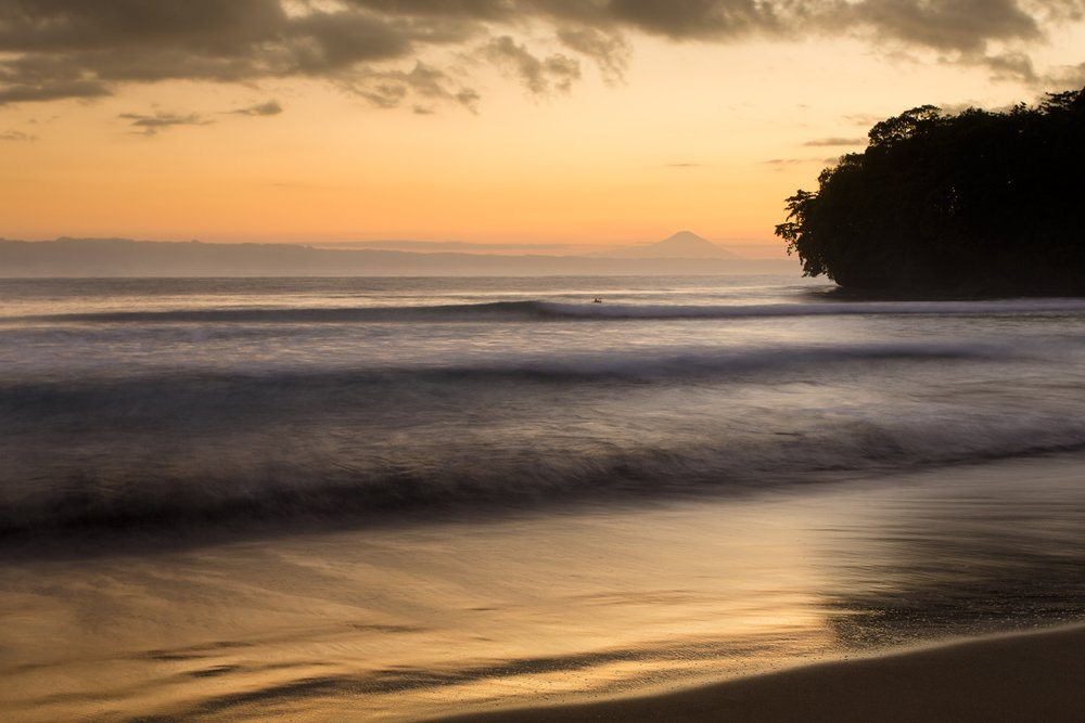 Dawn Surf, Batu Karas