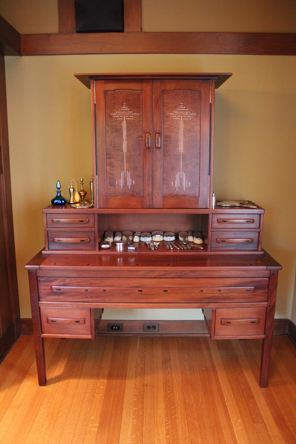 master bedroom dressing table.JPG
