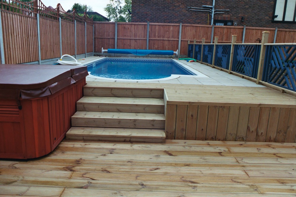 Inground with paving decking.JPG