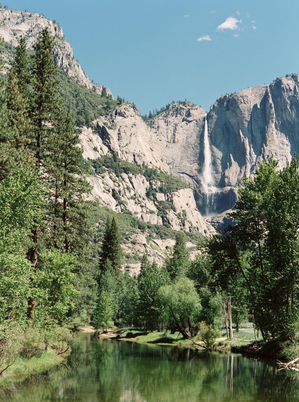 cassidy_carson_contax645_fuji400_yosemite_national_park_california_photovision.jpg