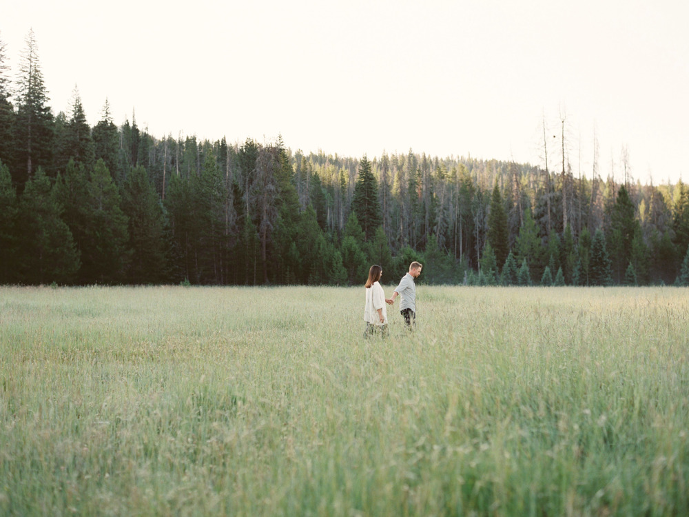 michelle_boyd_pv_takeover_michelles_vision_contax645_ zeiss80mm_fuji400_rocky_mountain_national_park_colorado_westcott_weddings_photovisionprints.jpg