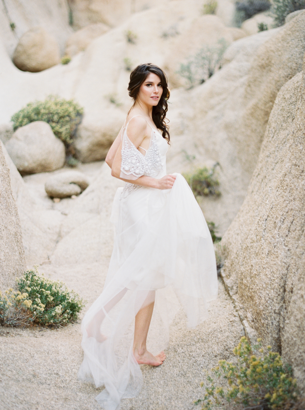 joshua_aull_contax645_fuji400h_joshua_tree_national_park_the_dress_theory_polky_nicole_black_calligraphy
