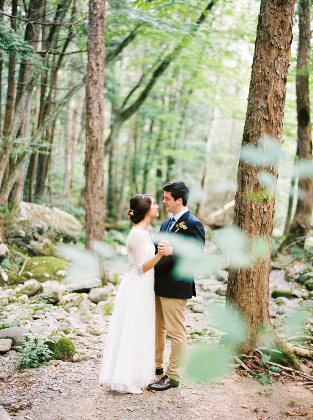 kathleen_and_joe_atkins_jo_photo_pv_takeover_contax645_fuji400h_great_smoky_mountains_national_park_nps_gatlinburg_tenessee_bhldn_weddings_lb_floral_sp3000_photovisionprints.jpg