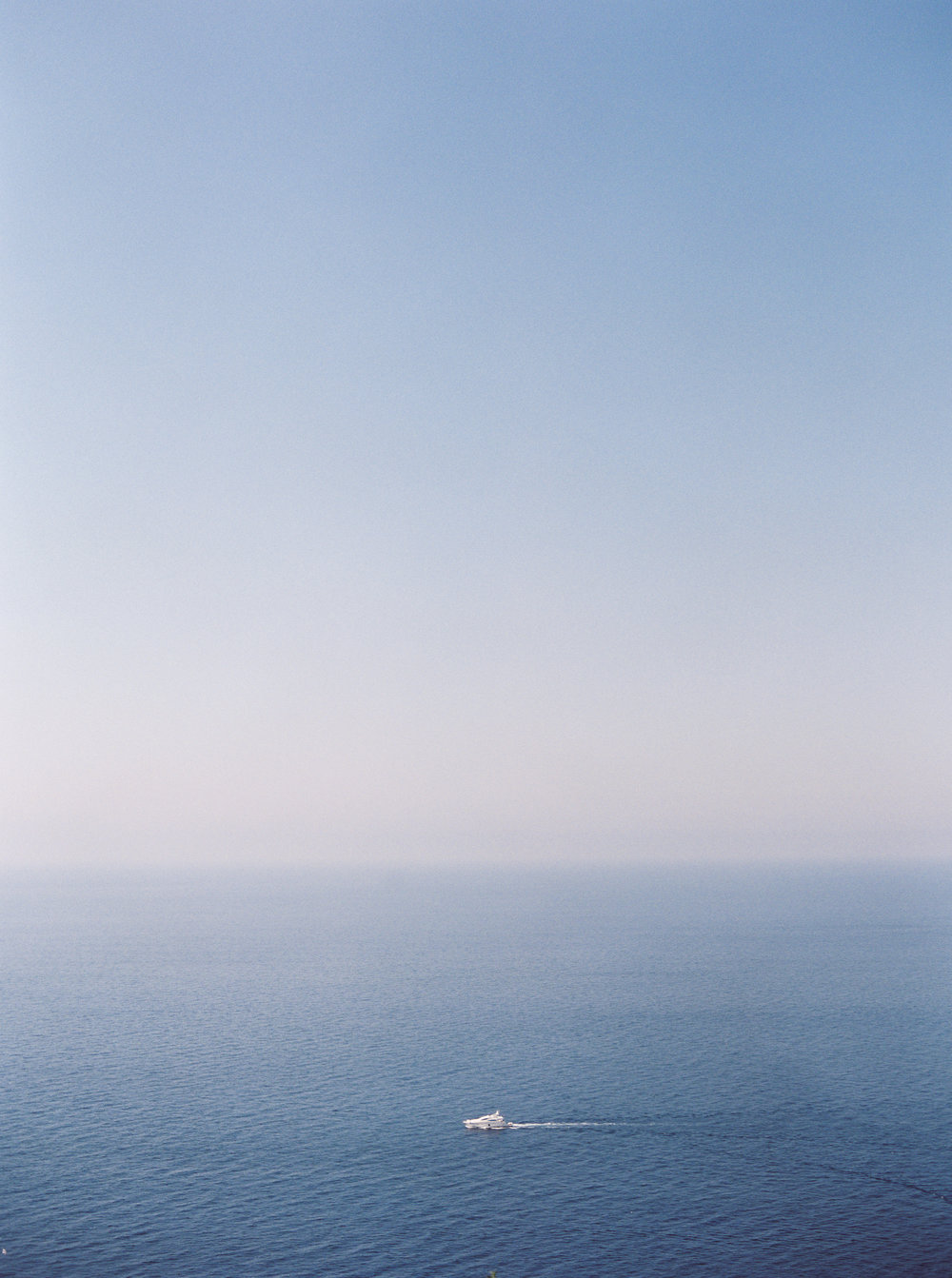 kristen_kilpatrick_pvtakeover_kristens_vision_contax645_fuji400h_sp3000_almalfi_coast_italy_mediterranean_photovisionprints.jpg