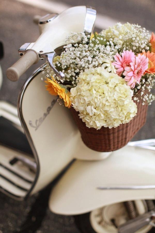 vespa+flowers