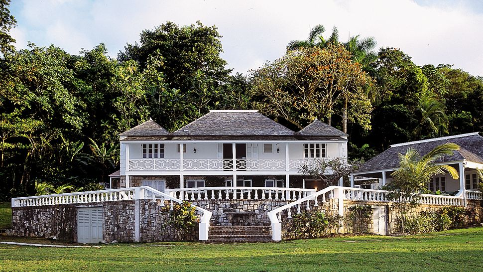 001504-15-villa-exterior.jpg