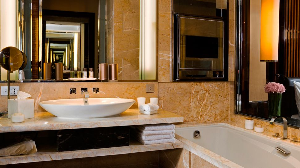 007098-12-bathroom.jpg