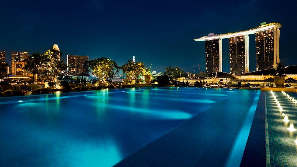 007098-20-Rooftop-Infinity-Pool-Night.jpg