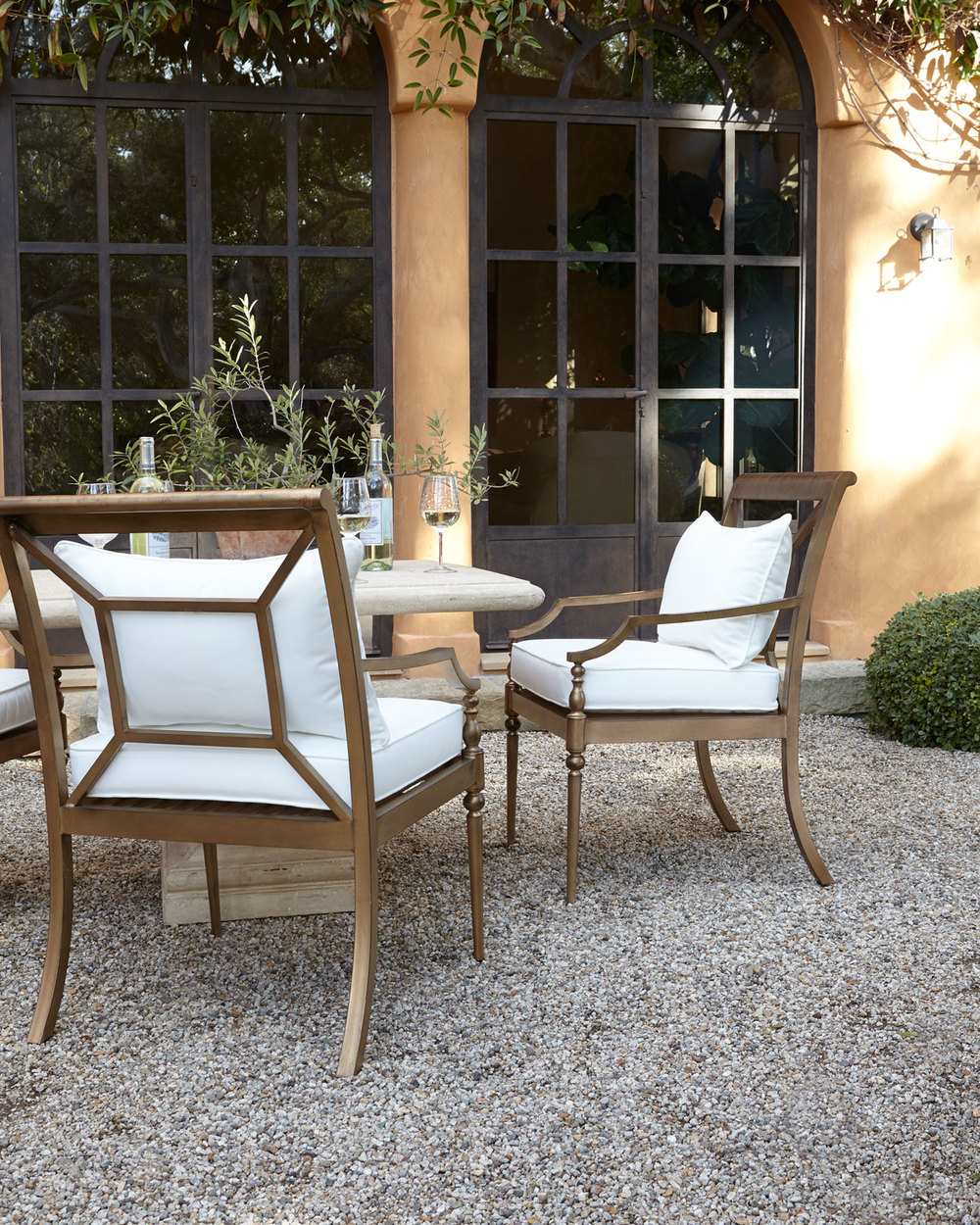 Outdoor glamour springtime patio inspiration franki for Outdoor patio inspiration