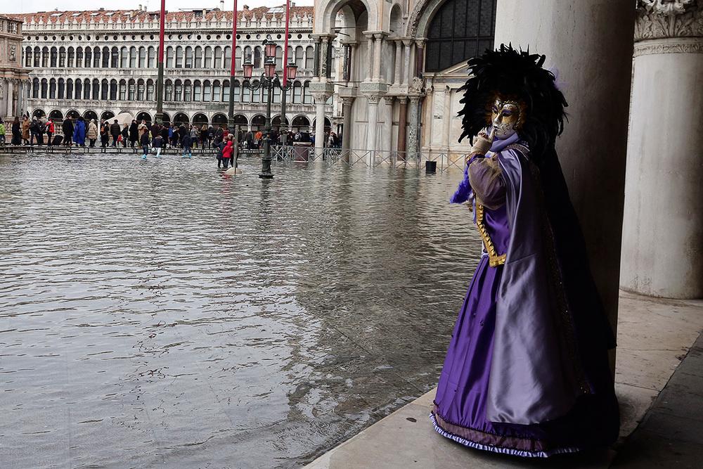Venice-flooding-Carnival-2015.jpg