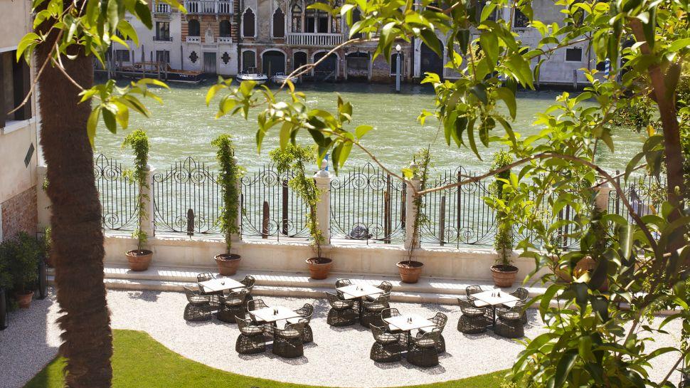 011279-15-RS1072_Aman-Canal-Grande-Venice---Garden-Terrace-hpr.jpg