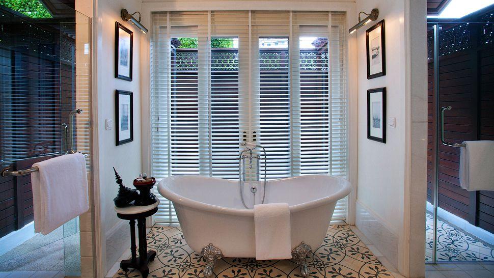 010410-08-Rajah-Brooke-Suite.jpg