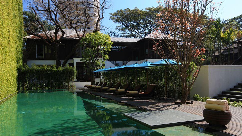 010410-02-Swimming_Pool.jpg