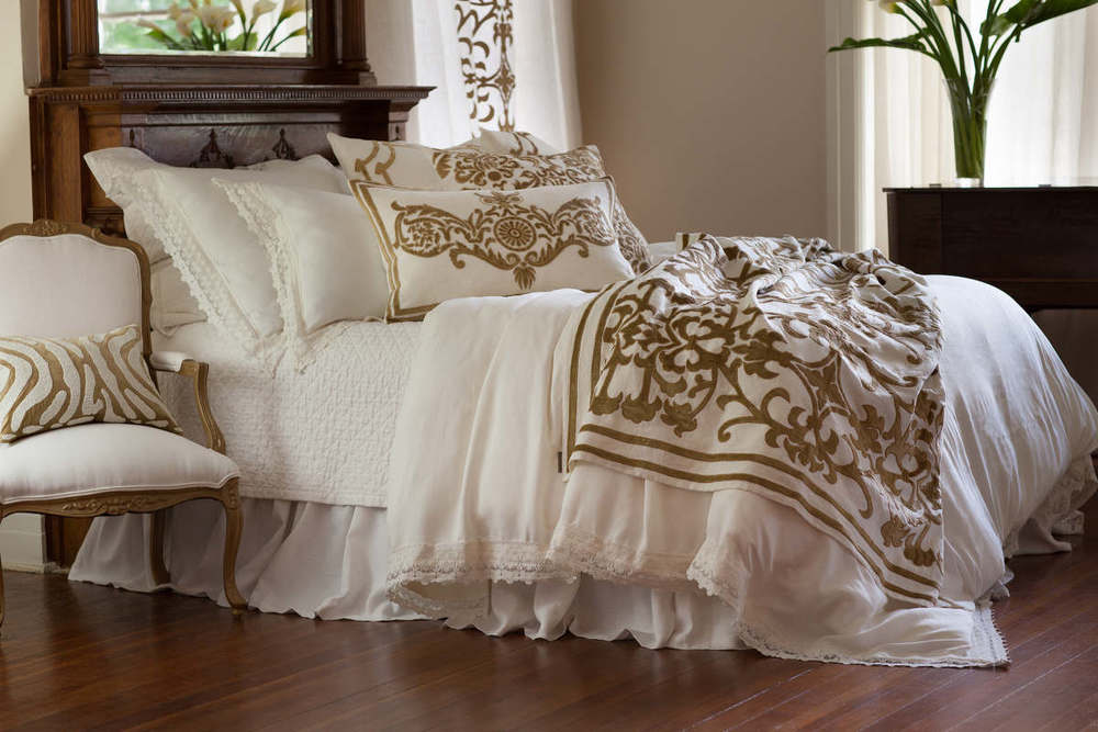 Simple Discover her Kumi Kookoon Classic and French Pleat options to make your bed a hypoallergenic haven