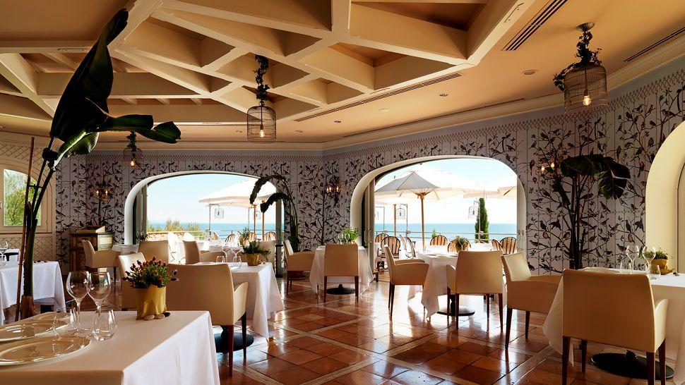 003081-10-restaurant.jpg