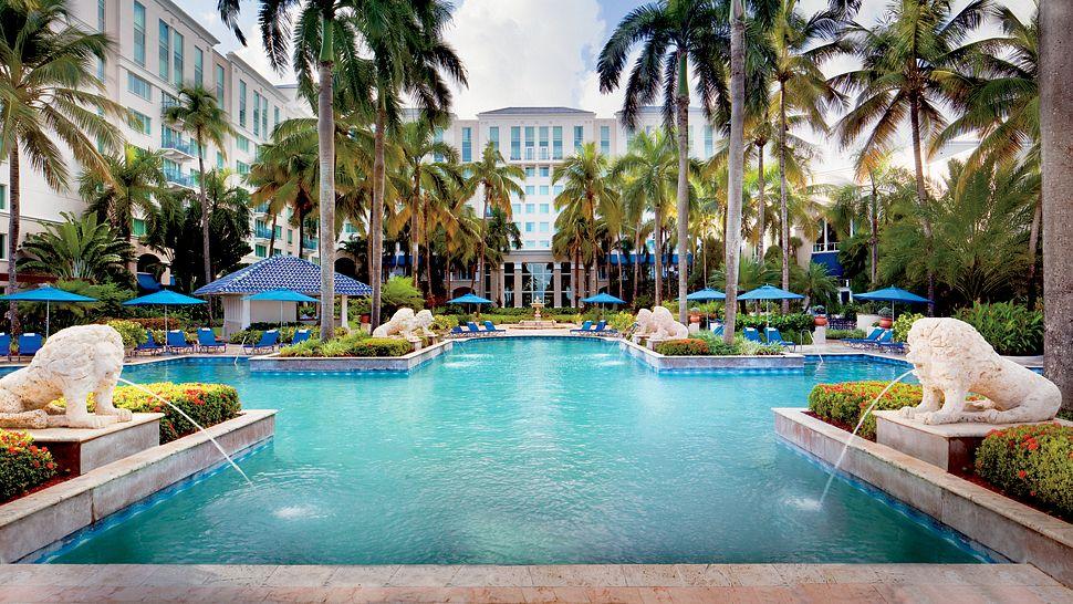 The Ritz-Carlton, San Juan-000159-01-pool.jpg