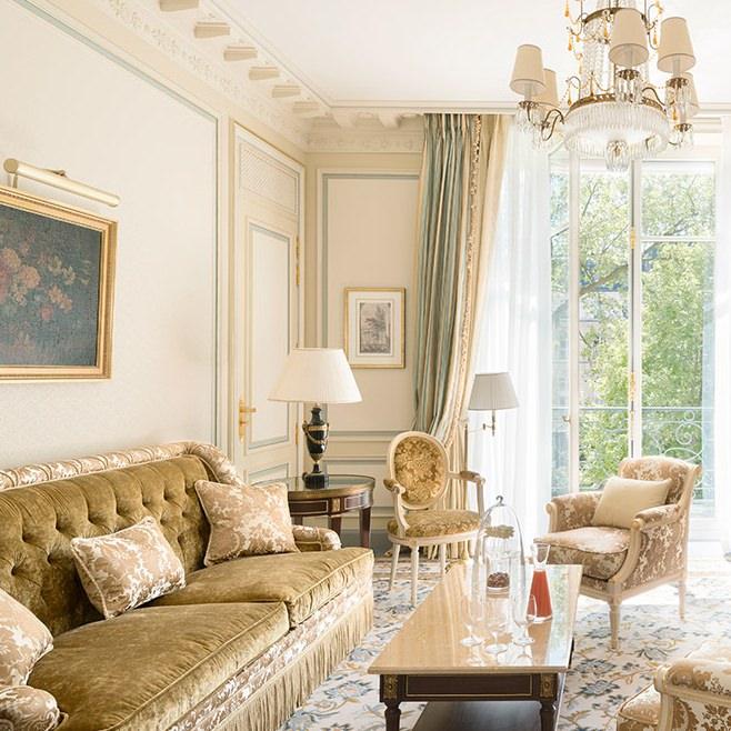 ritz-paris-hotel-suite-deluxe_0.jpg