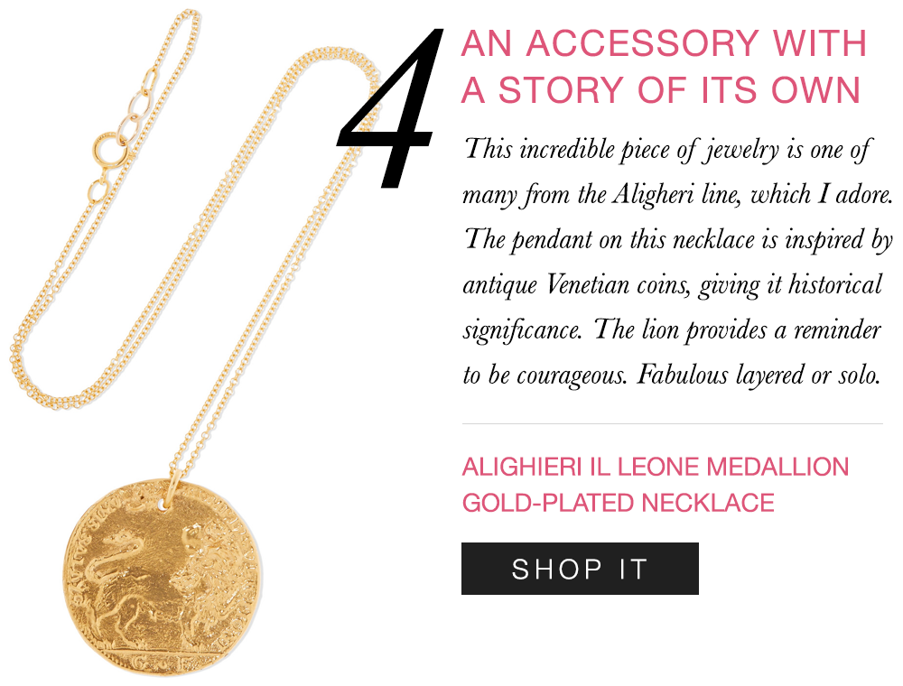 Seriously obsessed with this medallion coin pendant necklace.    Shop it here  >>
