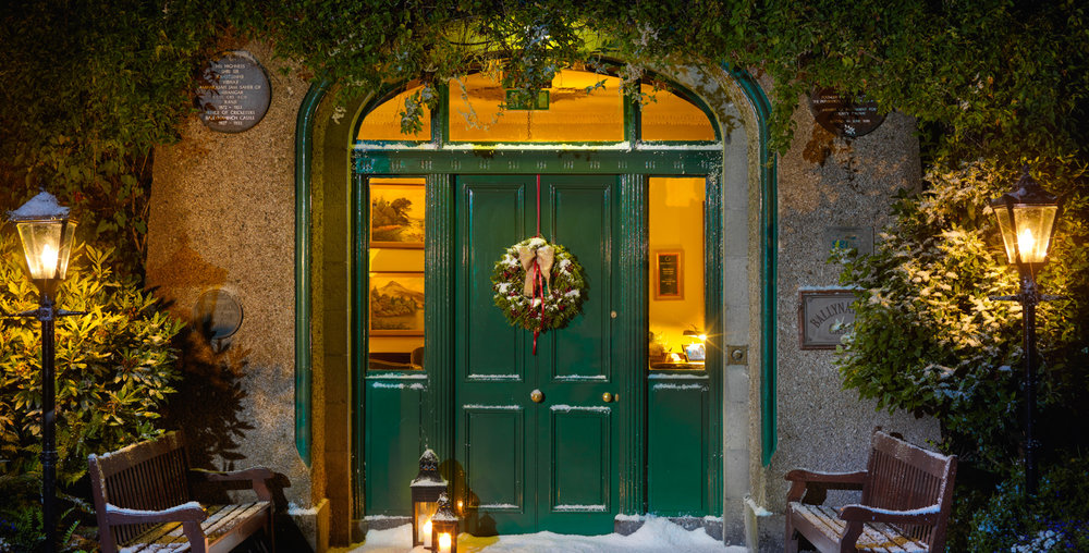 Christmas Door 2psd 1600px.jpg