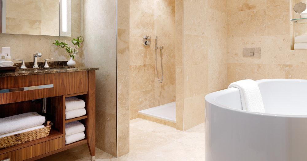 Suite Bathroom FL PT 2000px.jpg