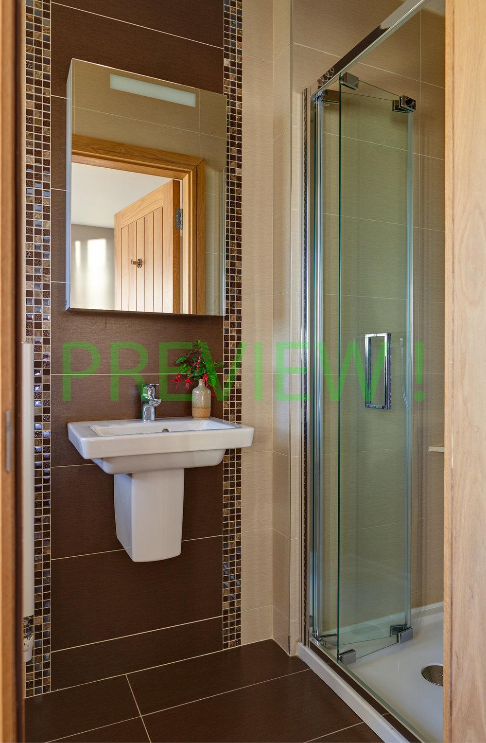 Showerroom 2000px.jpg