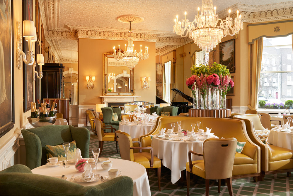 Lord Mayors Lounge 2 Chandelier Replacement 2500px.jpg