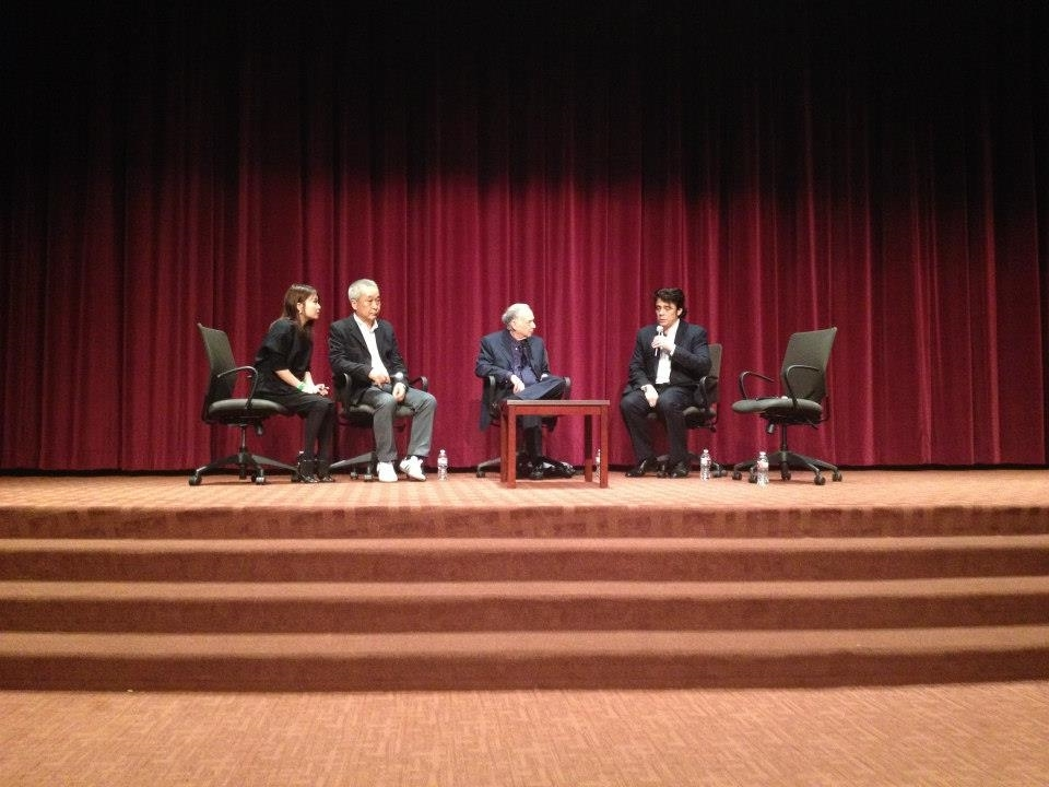 Q&A with actor Benicio Del Toro, USC Political Science Professor Stanley Rosen, and producer Jiro Shindo at the launch event of Kaneto Shindo's  Life is Work: The Art of Directing, Screenwriting, and Living Life Without Regrets.