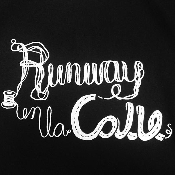 Runway en la Calle t-shirt