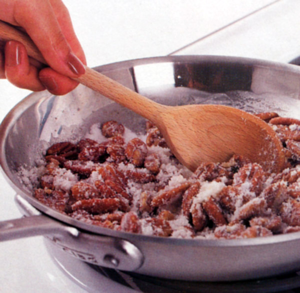 Coating pecans with sugar