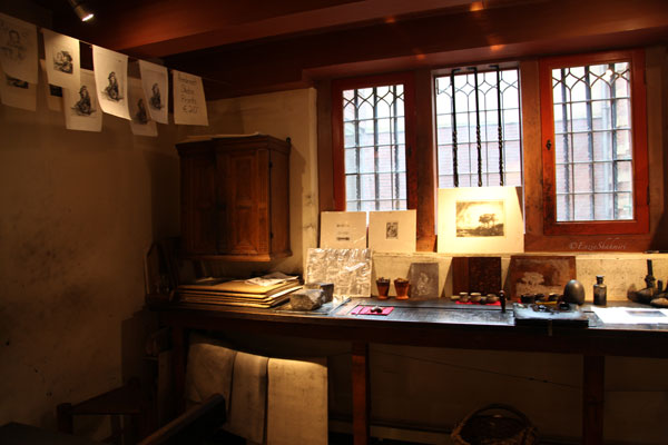 Etching-room-at-rembrandt-house.jpg