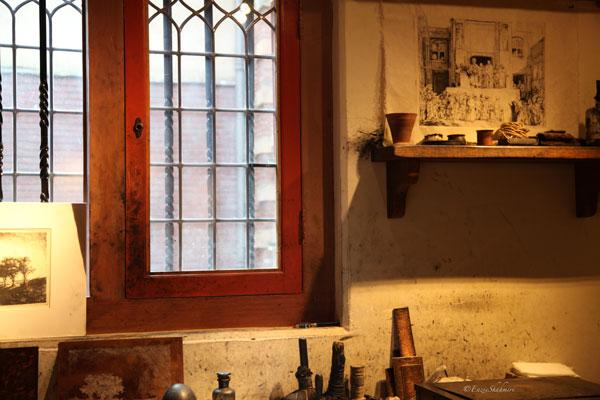 Lighting-in-etching--room.jpg